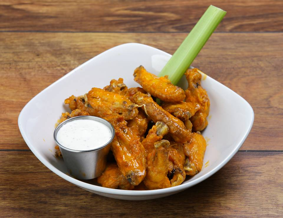 blue-bar-restaurant-chicken-wings.jpg